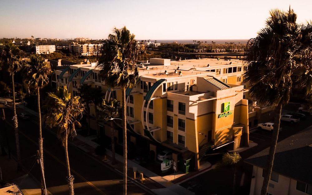 Aerial View, Holiday Inn Oceanside Camp Pendleton Area, an IHG Hotel