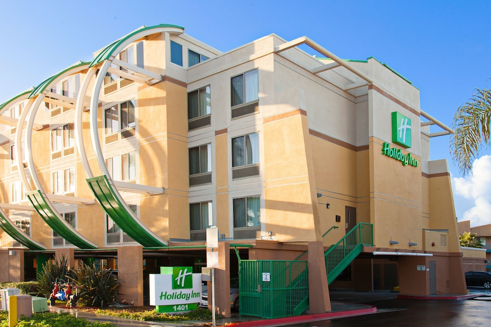 Exterior, Holiday Inn Oceanside Camp Pendleton Area, an IHG Hotel