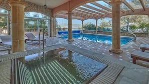 Indoor pool, 5 outdoor pools, pool umbrellas, pool loungers