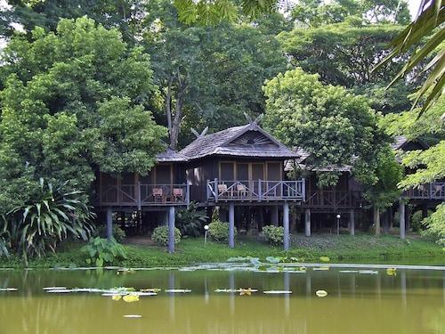 南邦河洛奇饭店