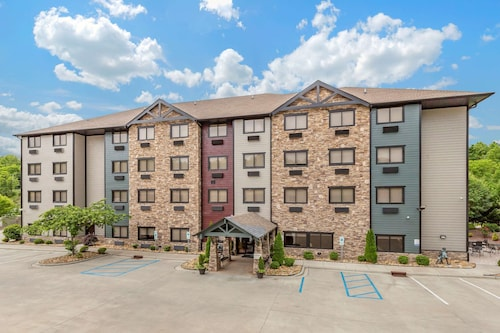 Brookstone Lodge near Biltmore Village, Ascend Hotel Collection