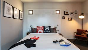 1 bedroom, hypo-allergenic bedding, desk, laptop workspace