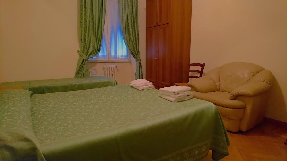 Book san michele a porta pia rome hotel deals - Hotel porta pia via messina 25 ...