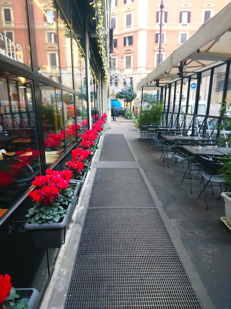 San michele a porta pia deals reviews rome ita wotif - San michele a porta pia ...