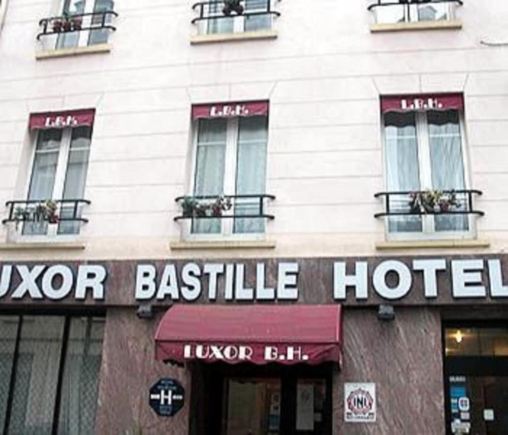 Book luxor bastille h tel paris hotel deals for Bastille hotel