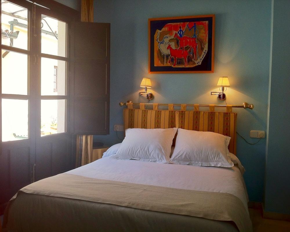Apartamentos Suites Santa Cruz Seville Espagne Expedia Fr