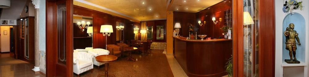 Hotel Regina (Grado, Italia) | Expedia.it