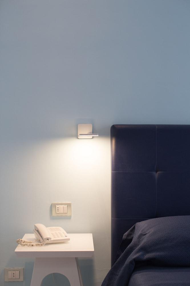 Book mignon meubl sorrento hotel deals for Meuble avantage