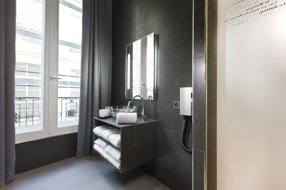 Bathroom, Lyric Hotel Paris