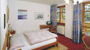 Italienische Bettbezüge von Frette, Pillowtop-Betten, Schreibtisch