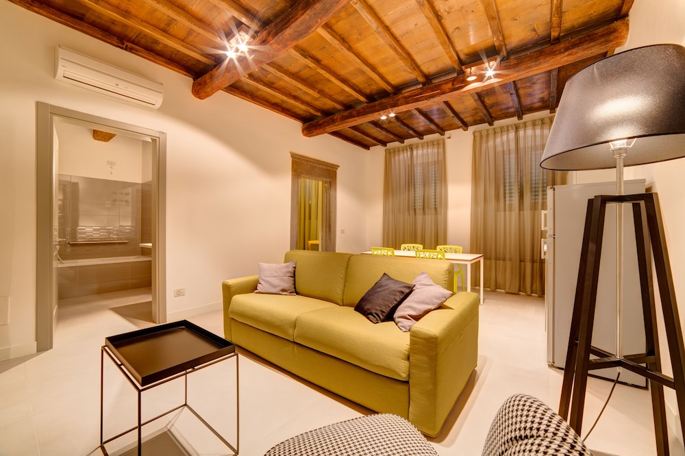 Living Area, Palazzo Mannaioni Suites
