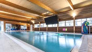 3 piscines couvertes