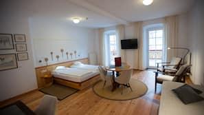 1 bedroom, down comforters, minibar, in-room safe
