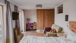 Een kluis op de kamer, een bureau, gratis babybedden, gratis wifi