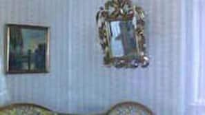 54-cm-Flachbildfernseher mit Satellitenempfang, Fernseher