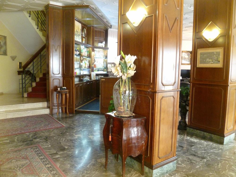 Hotel Minerva In Pordenone Cheap Hotel Deals Rates