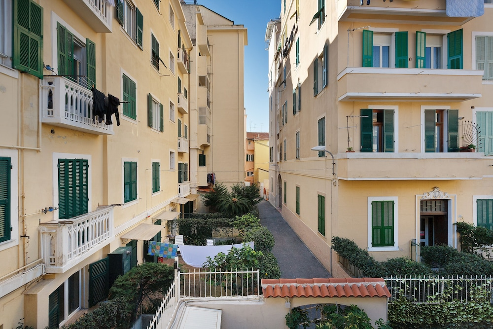Courtyard View, Residence dei Due Porti