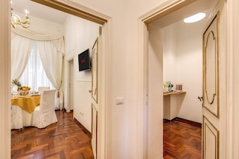 Pantheonview Imperial Apartment - Via della Frezza n. 48 - Guestroom