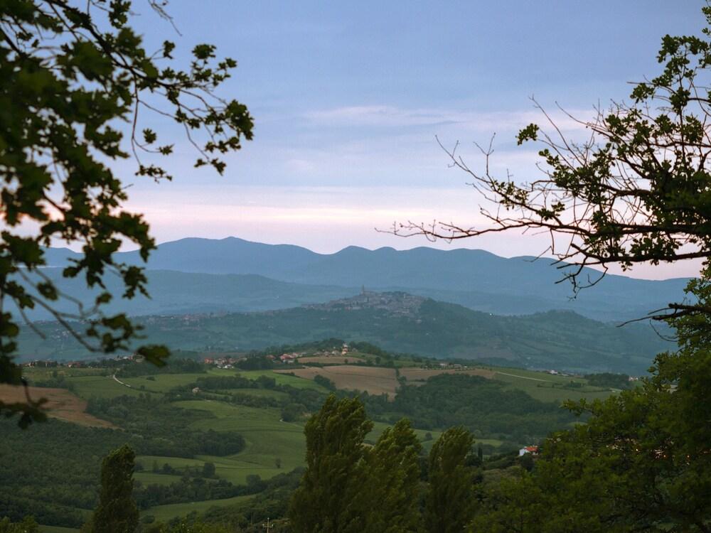 Gualdo Cattaneo Italy  City new picture : Villa Selva Country House Gualdo Cattaneo, Italy | Expedia