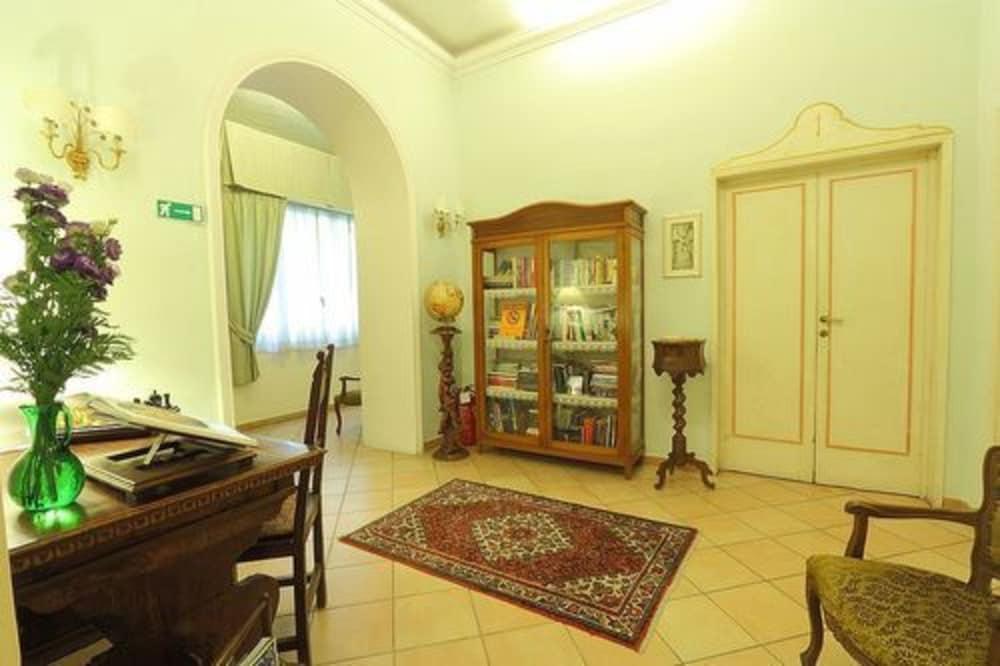 Soggiorno Casa di Barbano Florence, ITA - Best Price Guarantee ...