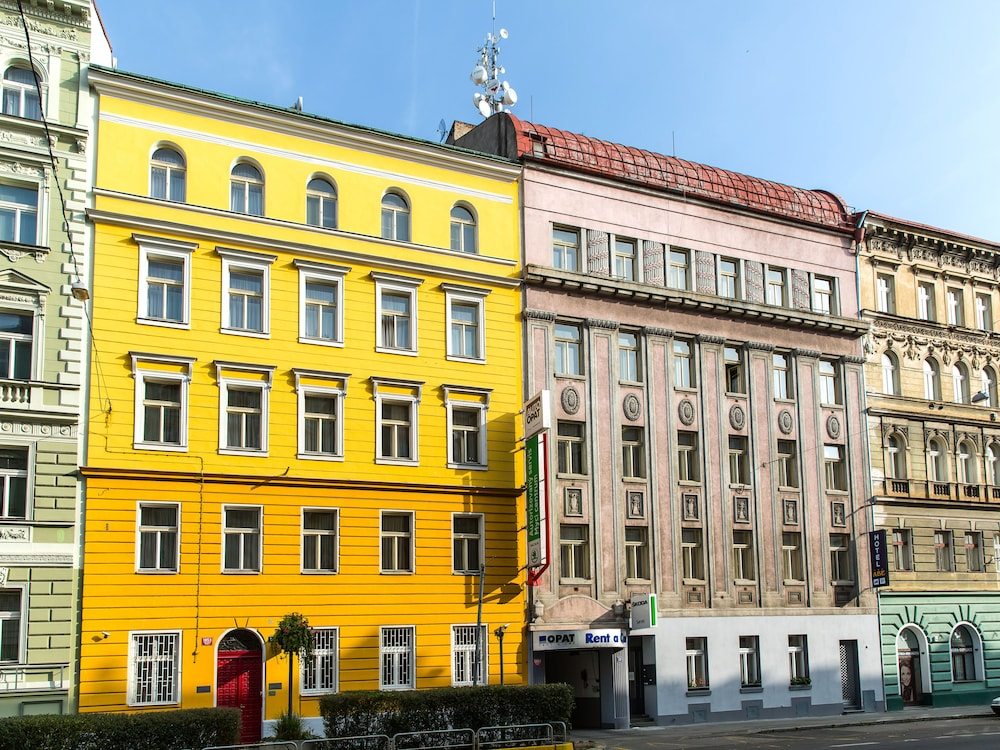 Abe hotel in prague hotel rates reviews on orbitz for Prague hotels