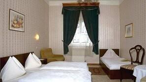 Roupas de cama antialérgicas, edredons de pluma, cofres nos quartos