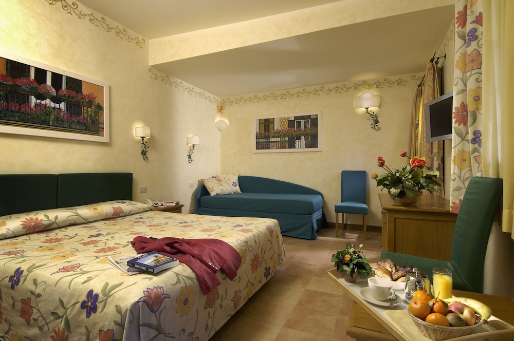 Featured Image, Hotel Santa Maria