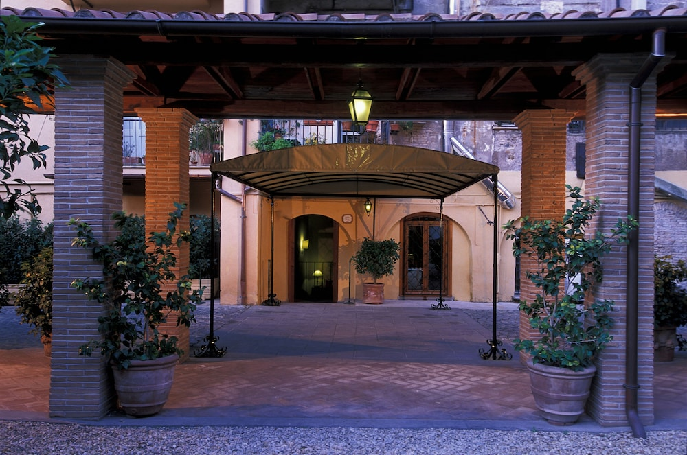 Property Entrance, Hotel Santa Maria