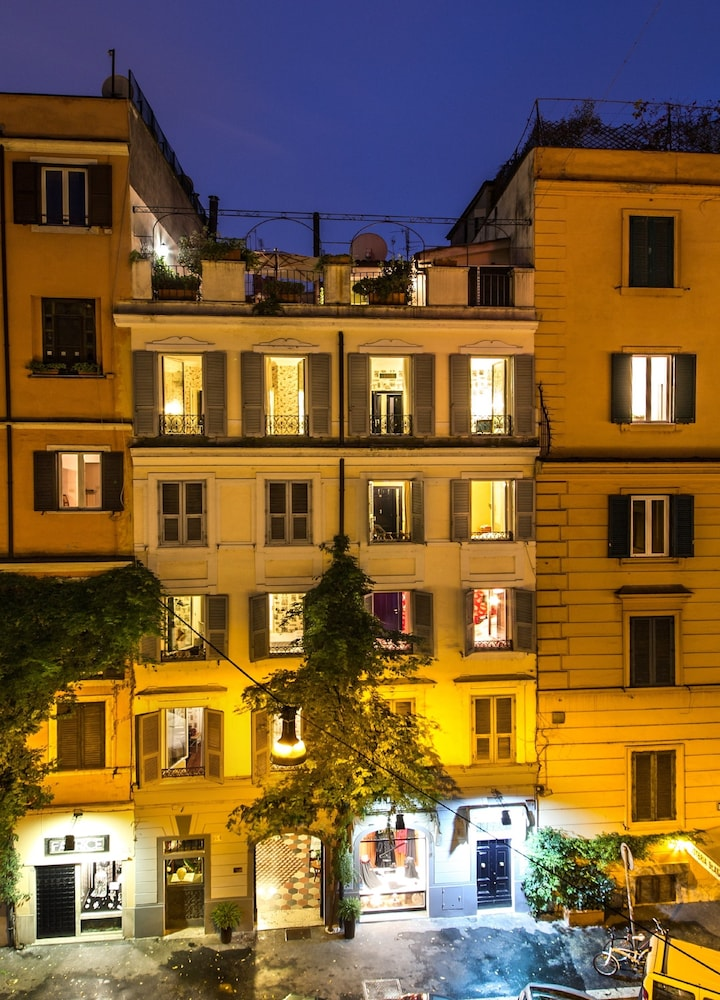 Boutique hotel anahi rome room prices reviews for Best boutique hotels in rome 2015