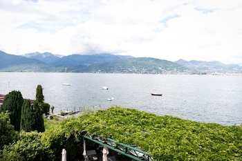 Via di Mezzo, Isola dei Pescatori, Stresa, Italy.
