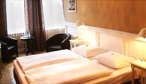hotel maison am olivaer platz precios promociones y comentarios. Black Bedroom Furniture Sets. Home Design Ideas