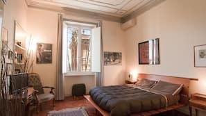 羽绒被、加厚床垫、免费儿童床/婴儿床、折叠床/加床(额外收费)