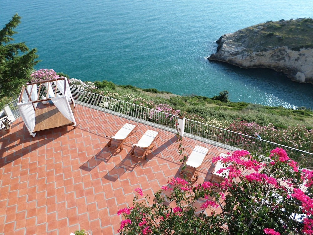 B B Baia Scirocco In Peschici Hotel Rates Reviews On Orbitz