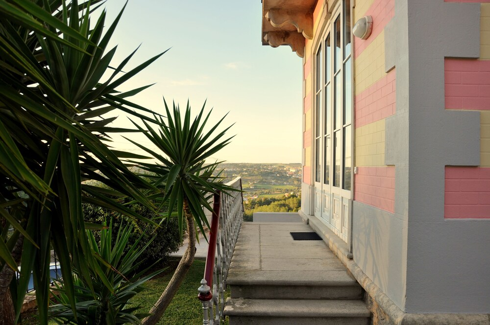 Property Grounds, Casa Miradouro