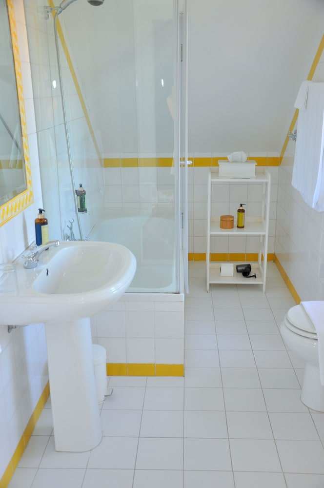 Bathroom, Casa Miradouro