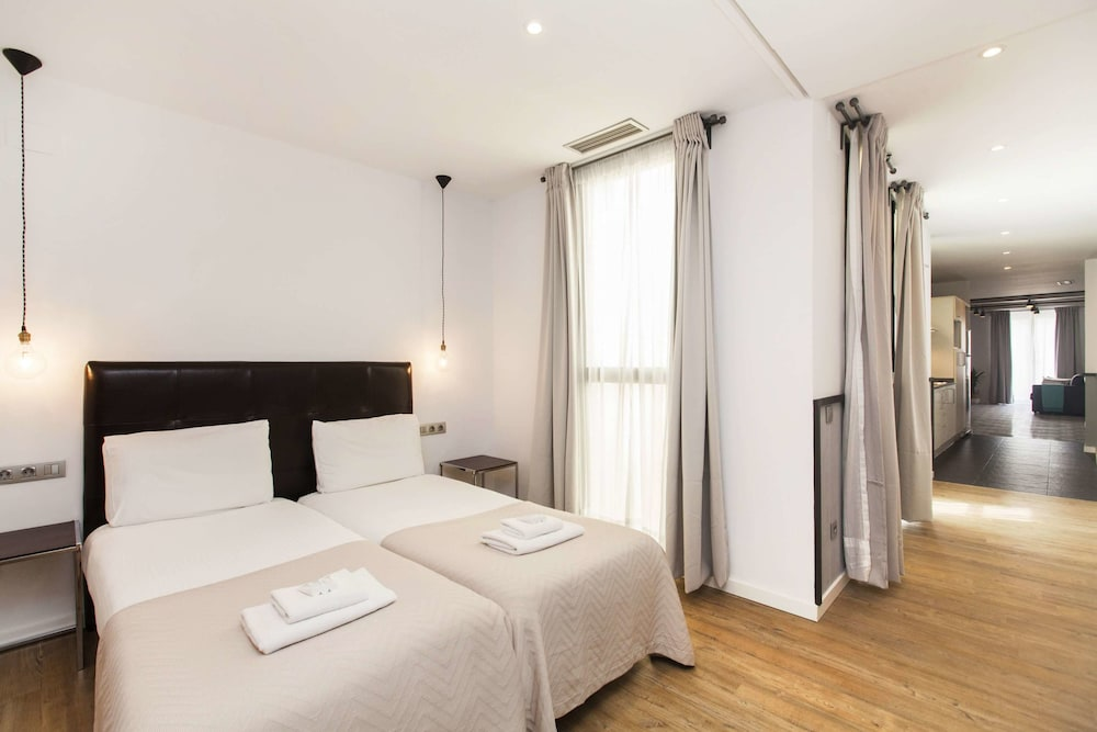Short Stay Group Liceu Serviced Apartments (Barcellona, Spagna ...
