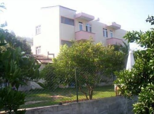 Akay Pension & Apartments