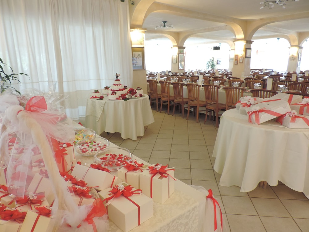 Indoor Wedding, Hotel Domu Incantada