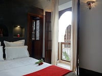 Deluxe Double or Twin Room (Carbone)