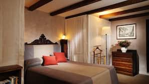 埃及棉床单、高档床上用品、泰普尔床垫、客房内保险箱