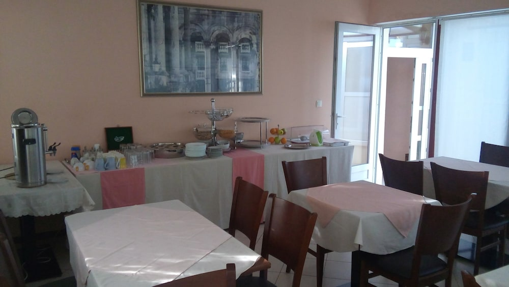 Breakfast Area, Villa Marjela