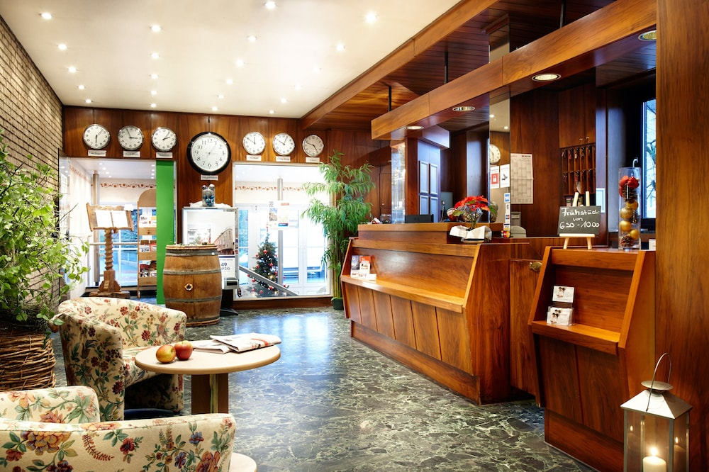Basic hotel hannover airport in hannover hotel rates for Hannover hotel