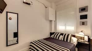 Copriletto in piuma, una cassaforte in camera, con stile personalizzato