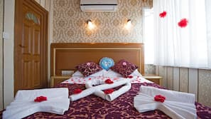 Egyptian cotton sheets, desk, rollaway beds, free WiFi