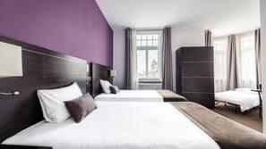 Donzen dekbedden, een minibar, een kluis op de kamer, een bureau