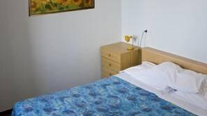 Een kluis op de kamer, een bureau, gratis wifi