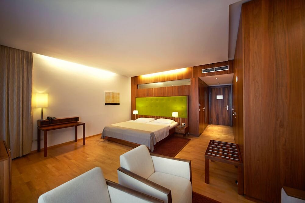 Room, Therme Laa Hotel & Silent Spa