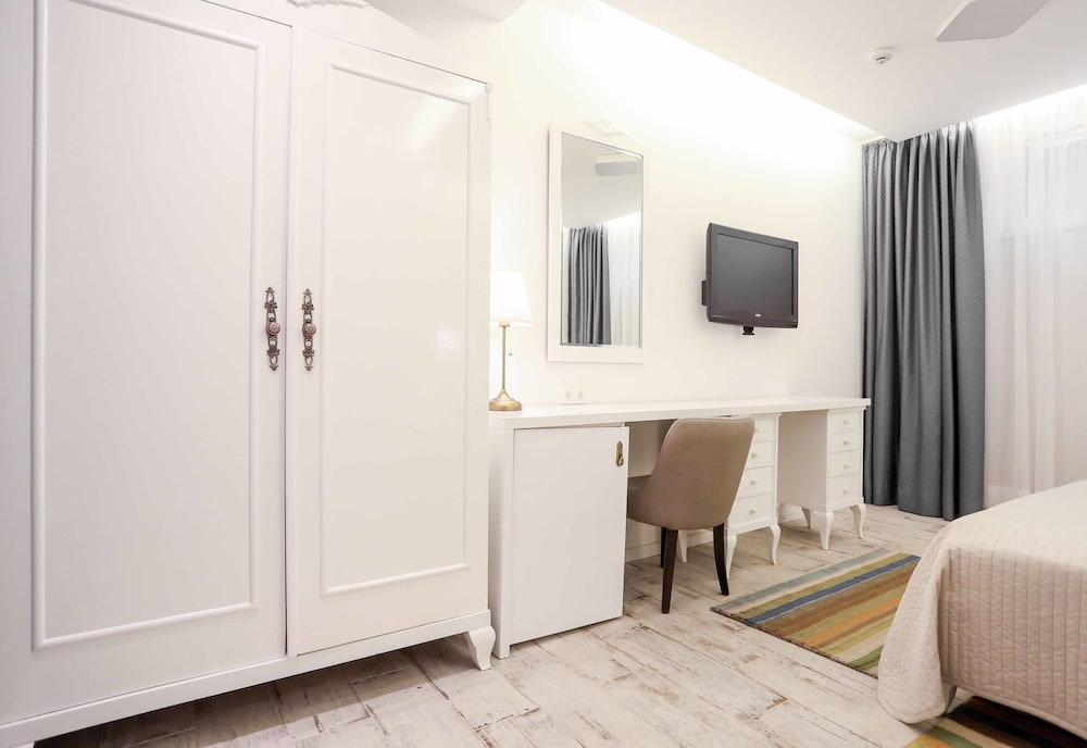 Hotel divan 2017 pictures reviews prices deals for Divan zenica