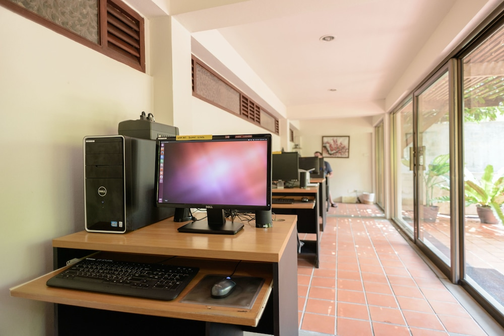Business Center, Khaolak Bhandari Resort & Spa
