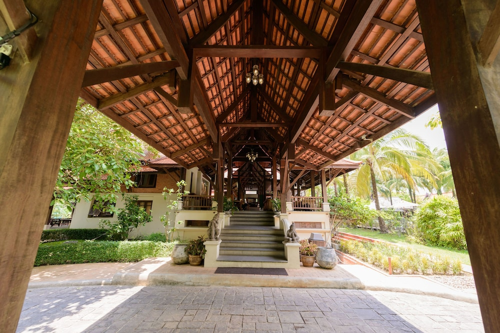 Property Entrance, Khaolak Bhandari Resort & Spa